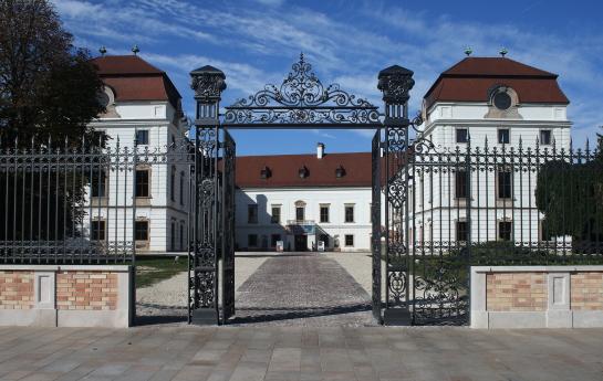 Pápai Esterházy-kastély kerítése